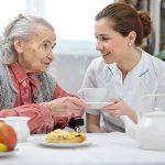 Tìm Người Chăm Sóc Người Già ở đâu Tốt Và Chuyên Nghiệp ?