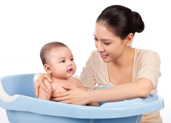 Chăm sóc trẻ em tại quận Hoàng Mai uy tín chuyên nghiệp