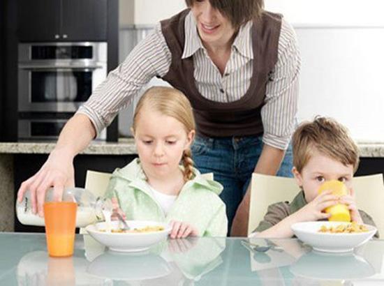 Giúp việc chăm sóc trẻ em tại Đan Phượng chăm chỉ